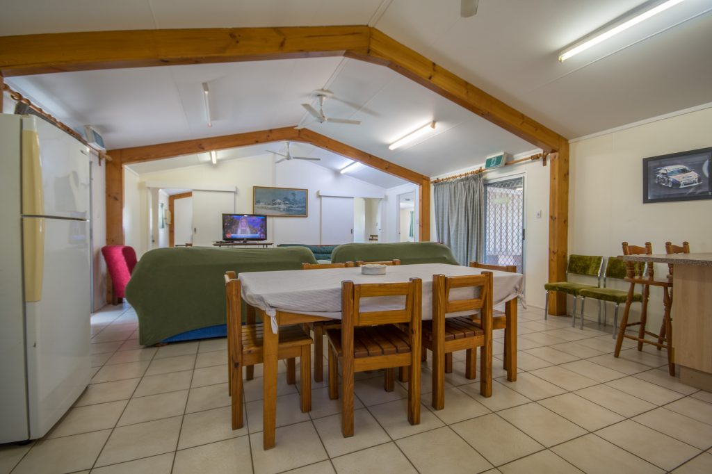 Fully Self Contained 3 Bedroom Holiday House Gee Dees